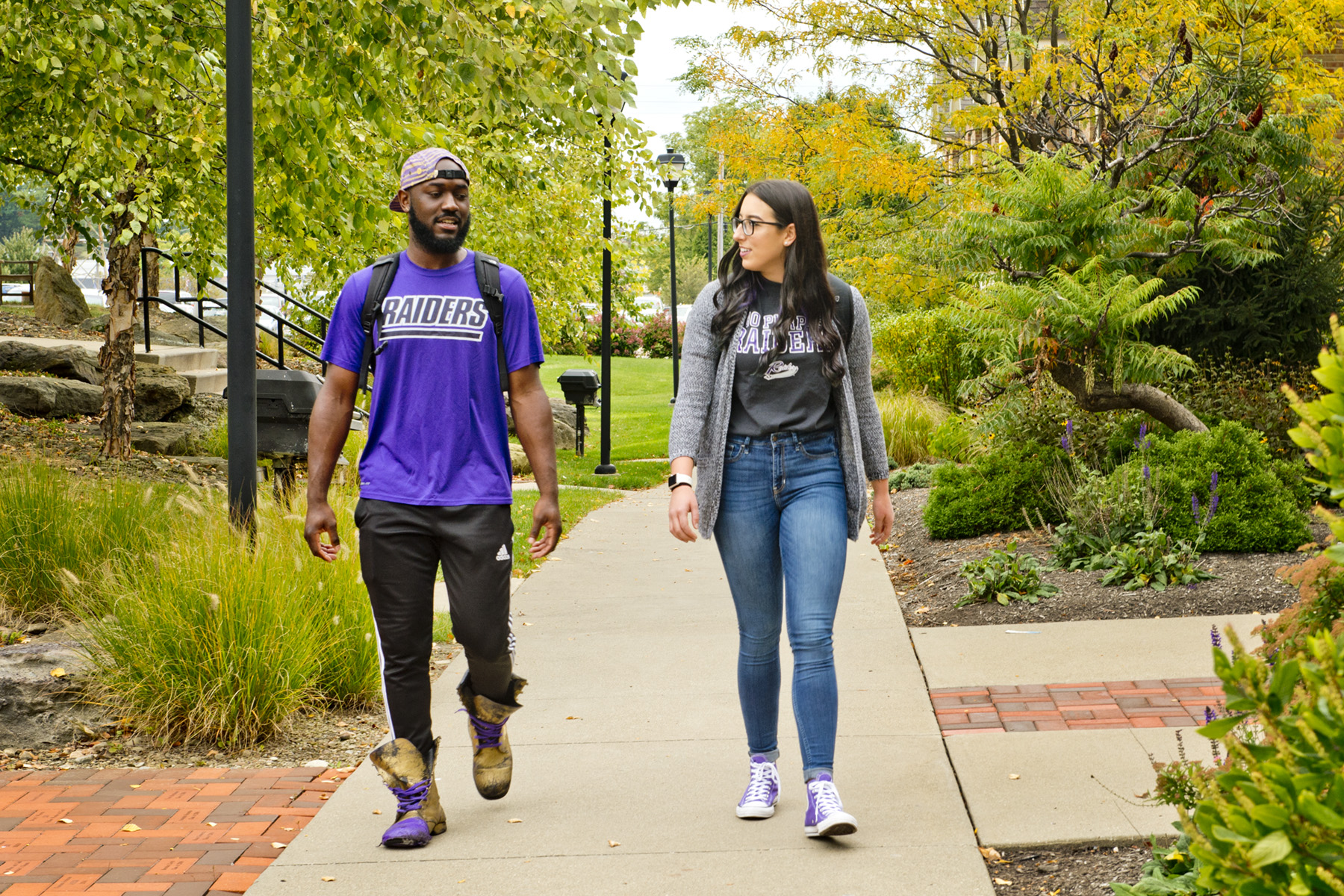 Mount Union students walking on campus